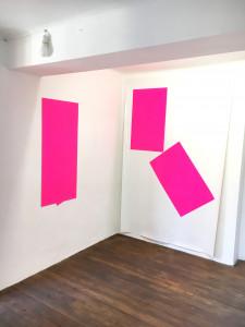 Sans titre, 2018, impression sérigraphique sur tissu PVC, 215 x 138 cm et 112 x 150 cm